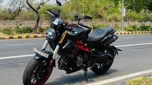 Benelli TNT 300 Modified To Look Like A Ducati Monster By Delhi Based Sans Moto Shop