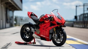 Ducati Panigale V4 R 1:1 Functional Scale Model Built With Lego Blocks: Details