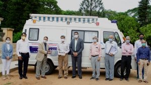 Toyota Kirloskar Motor Hands Over A Mobile Medical Unit To IISc For COVID-19 Testing