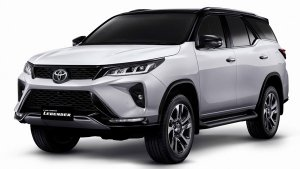 2021 Toyota Fortuner Facelift Spotted Testing Ahead Of India Launch: Spy Pics & Other Details