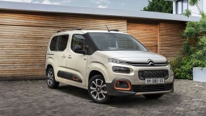 Citroen Berlingo XL MPV Spotted Testing Without Camouflage: Spy Pics & Other Details