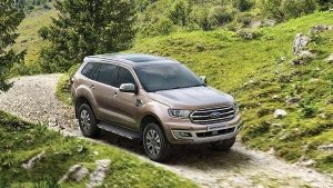 Ford Endeavour Sport Limited-Edition Model Spotted At Dealer Yard Ahead Of Launch