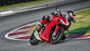 Ducati SuperSport 950 & 950 S Unveiled: The Middle-Weight Track Monster For The Streets
