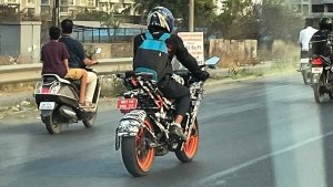 New KTM RC200 Spied Testing In India Ahead Of Launch: Spy Pics & Details!