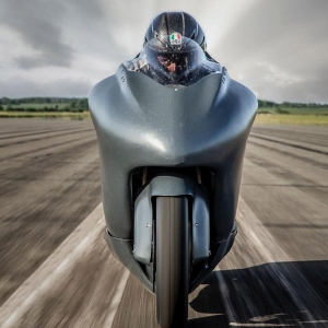 Guy Martin To Ride 860Bhp Hayabusa To 300Mph (482.8Km/h) In Standing Start One Mile Record Run