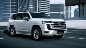 All-New Toyota Land Cruiser LC300 Revealed: Gets New Engine Options & Advanced Electronics
