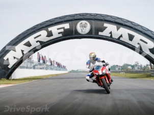 TVS Apache RR 310 Review — A #PureRacecraft Worthy Motorcycle