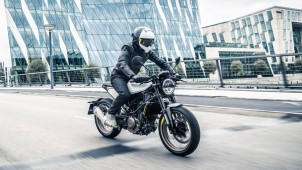 Husqvarna India Motorcycles To Debut Soon: Husqvarna Vitpilen And Svartpilen To Be CBUs