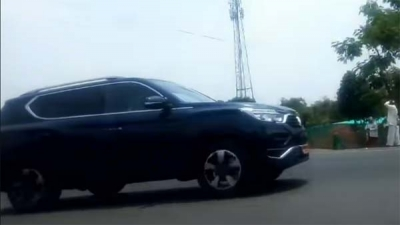 Mahindra XUV700 spotted testing again