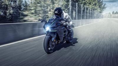 2019 Kawasaki Ninja H2, H2 Carbon And H2R Launched