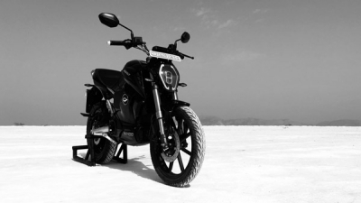 Revolt RV 400 Receives Over 2,500 Bookings In India
