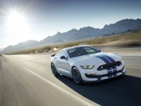 2017 Ford Mustang Images