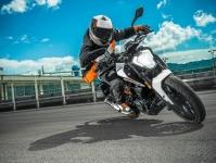 2017 KTM Duke 250 Images