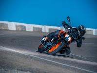 2017 KTM Duke 390 Images