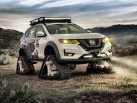 Nissan Rogue Trail Warrior Images