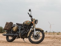 Royal Enfield Classic 350 Signals Edition Images