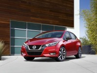 Nissan Versa Images