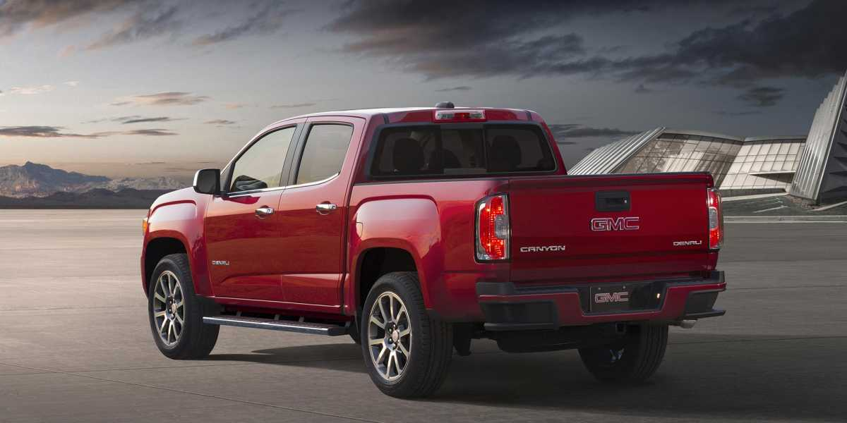2017 GMC Canyon Denali 1920x960 Desktop wallpaper