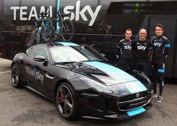 2016 Jaguar F-TYPE Team Sky
