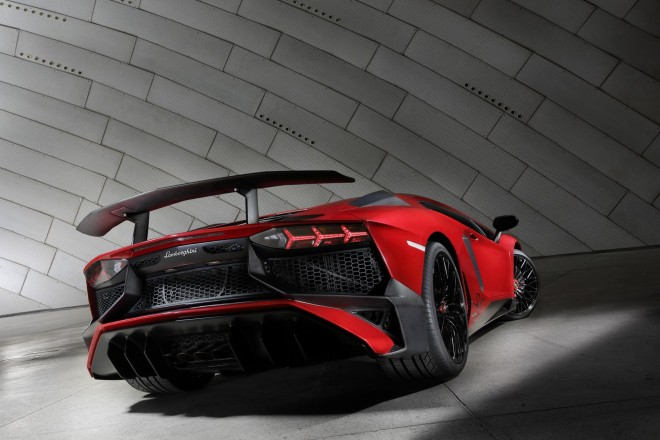 2016 Lamborghini Aventador Wallpapers