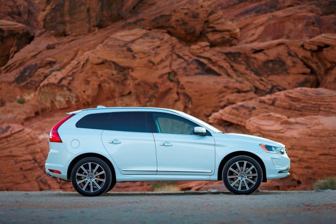 2016 Volvo XC60 Wallpapers
