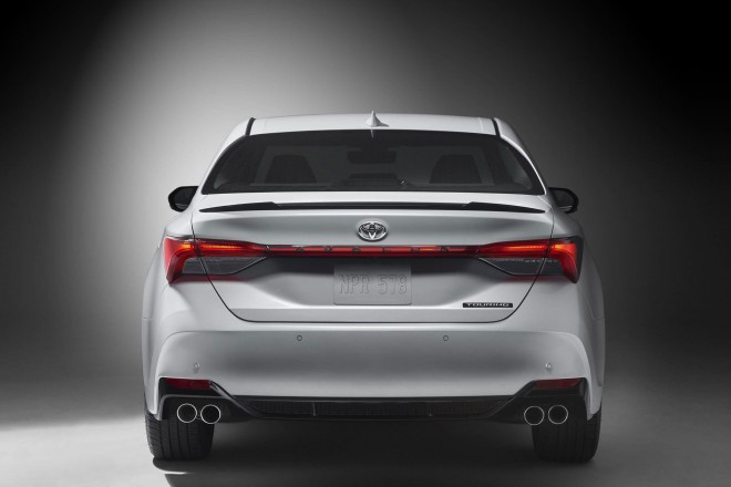 2019 Toyota Avalon Wallpapers