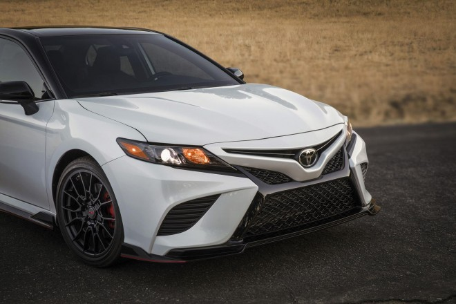 2019 Toyota Camry Wallpapers