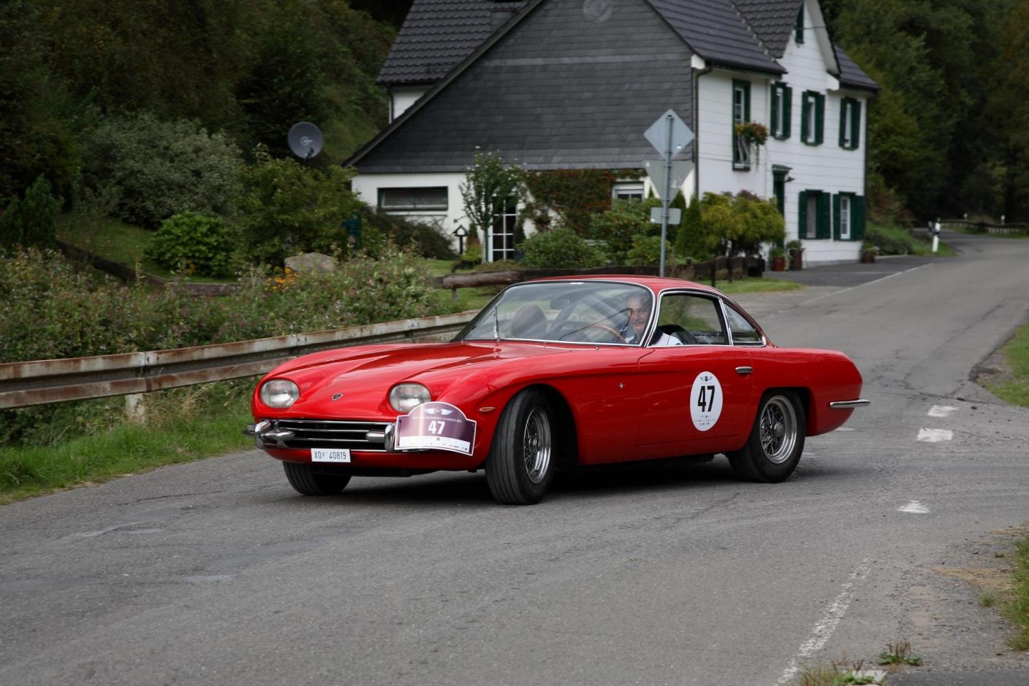 https://www.drivespark.com/wallimg/photos/1964-lamborghini-350-gt/64ish-lamborghini-350gt_coupe-00001.jpg
